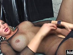 Kinky shemale has fun with a friend