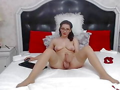 Hot Shemale Giving a sweet and wild treat live on cam