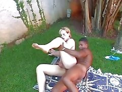 Black Thug Nailing Blonde Tranny Outdoor