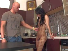 Christian XXX gives kitchen blowjob to Domino Presley
